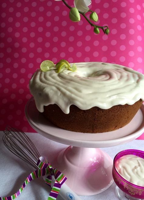 Thanks architec TSP for making a lightweight whisk that produces a gorgeous, runny icing!